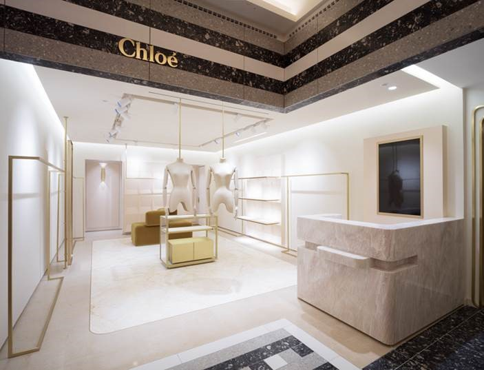 Conception of boutiques and corners for the brand Chloé internationally 56a200494